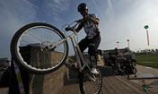 《自行车特技》